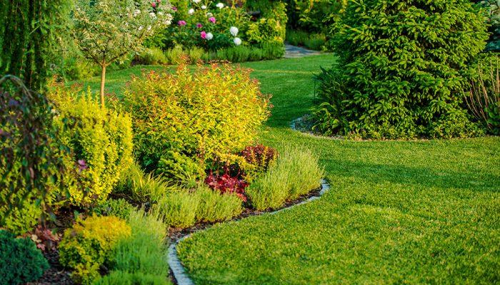 Wir helfen Ihnen auch bei Gartenarbeiten!